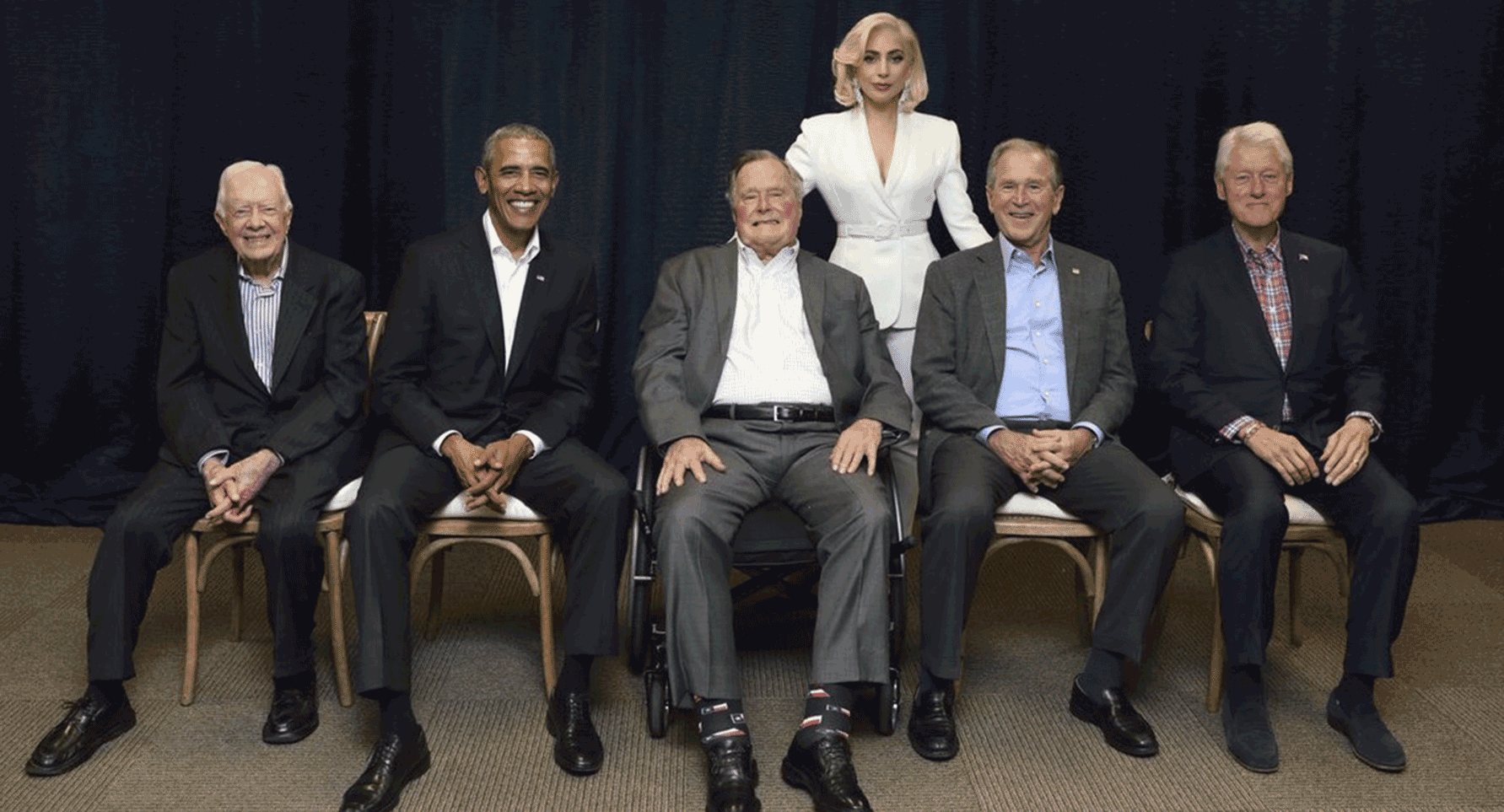 Lady Gaga and the Ex-US-Presidents, photo: https://twitter.com/ladygaga/status/921921998875439105/photo/1
